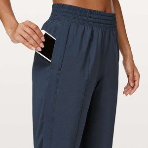 LULULEMON True Navy Wanderer Cropped Joggers 12